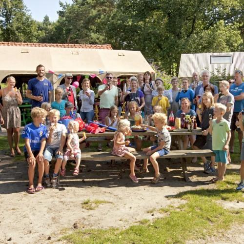 Feesten op feestlocatie in het bos in Drenthe.