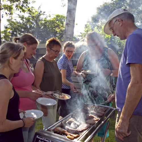 De Bos Barbecue - Standaard barbecue bij de groepsuitjes bij Taribush op locatie de Marke.