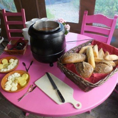 Het Dwingelderveldbuffet als maaltijd tijdens groepsuitje in Drenthe.